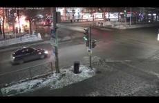 Embedded thumbnail for Ночью в Перми на перекрестке Компроса и Пушкина произошло серьезное ДТП с возгоранием